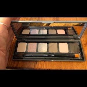 Brand new Bobbi brown eyeshadow pallete